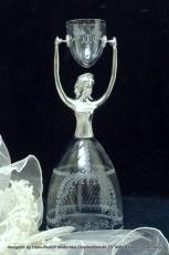 Brautbecher 23 cm Kristall mundgeblasen handgraviert Torso Feinzinn